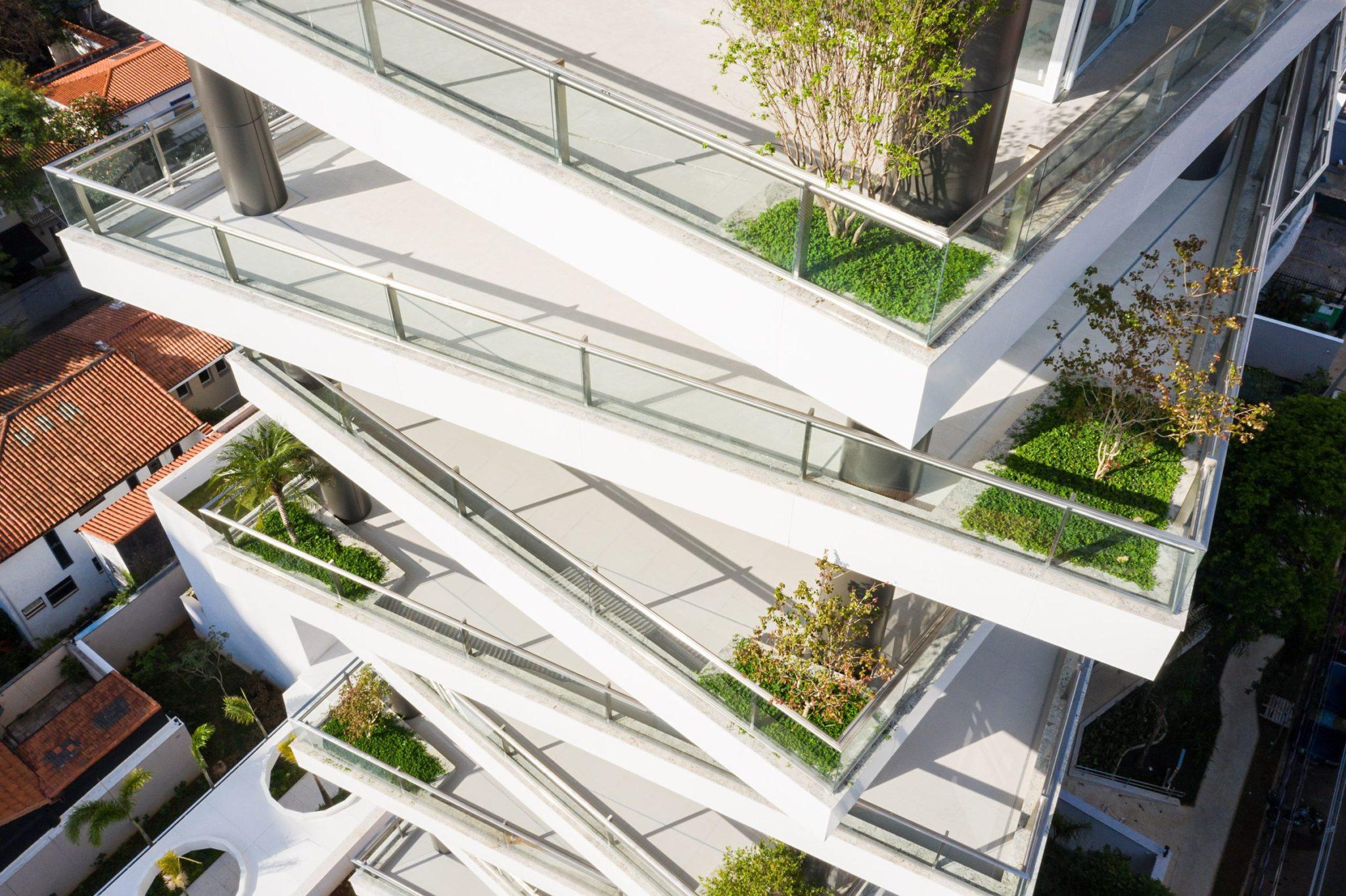 Shifted balconies wrap I Königsberger Vannucchi